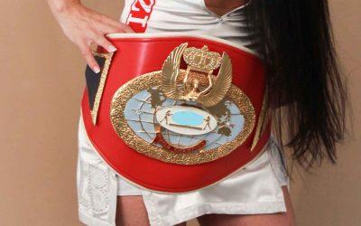 Asiye-Özlem Sahin, mehrfache Boxweltmeisterin